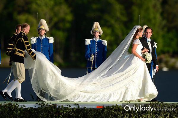 Royal-Wedding-Pictures-Swedish-Princess-Madeleine-Marries