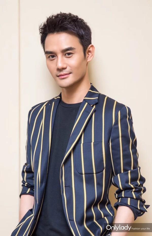 Wang Kai wears KENT&CURWEN