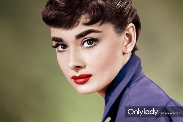 Audrey-Hepburn-audrey-hepburn-34772512-889-1139
