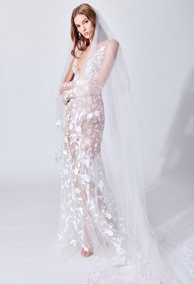 Oscar de la Renta 2019春夏婚纱系列 白色鱼尾刺绣礼服美若天仙