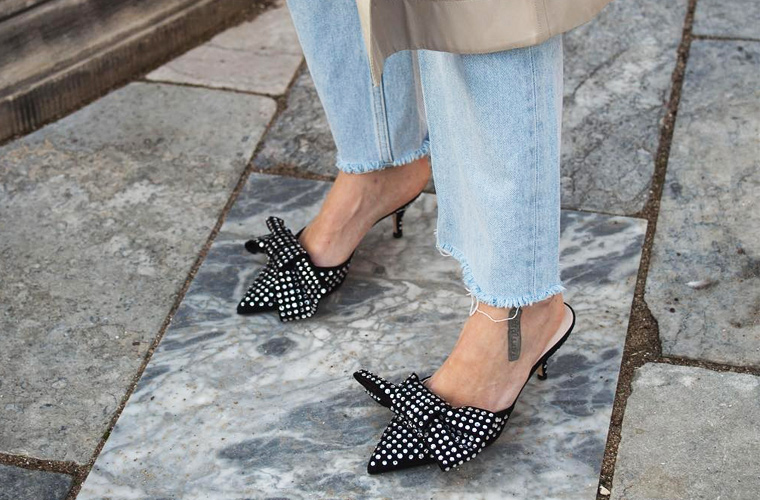 穿腻了小白鞋?春天美貌又舒服的鞋子多得很呐