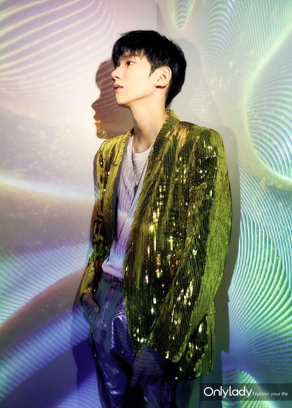 Chopard萧邦品牌大使王源佩戴Chopard萧邦珠宝参加TFBOYS六周年演唱会 1
