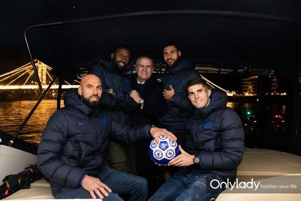 8. 照耀伦敦天际线的那一抹蓝 HUBLOT宇舶表携手切尔西俱乐部发布全新腕表