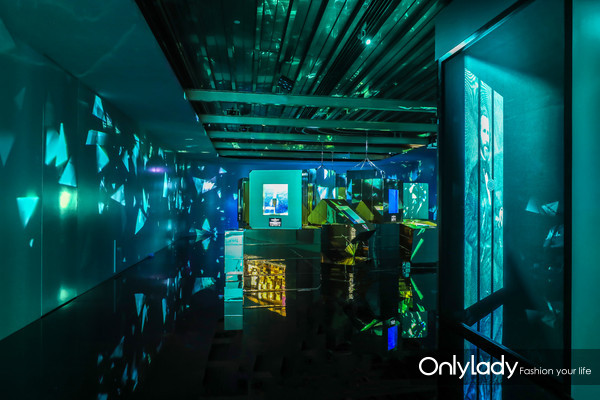 1. 「蒂芙尼梦想之蓝」展区