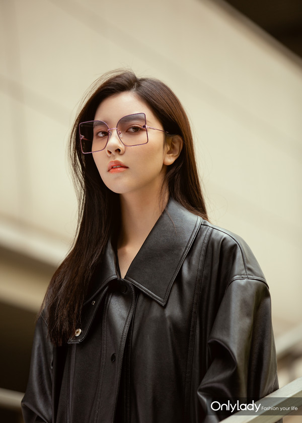 宋妍霏LE MAGNIFIQUE Sunglasses  (1)