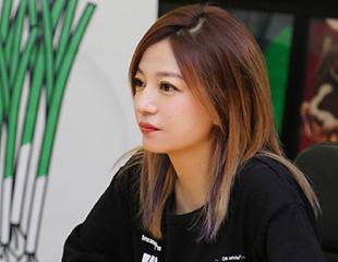 赵薇再传离婚,不被婚姻和男人束缚的她现在过得有多爽?