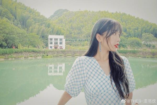 Angelababy举办「剪不剪刘海」投票,21万网友赞成有刘海~