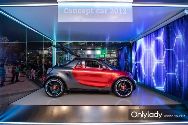 "5. smart Concept Car 2012""移动影音室""带来视觉享受和无限乐趣"