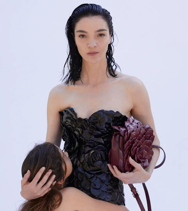 唐嫣、金晨、虞书欣都拥有不凋谢的玫瑰,我为何不能?