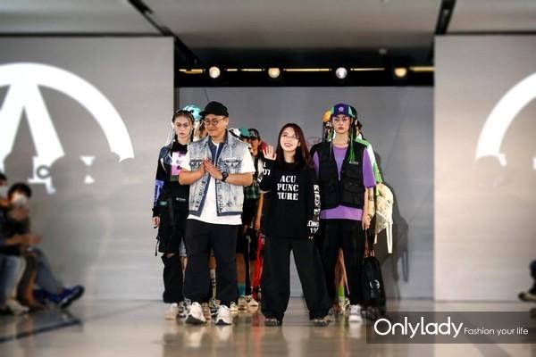 ACUPUNCTURE 2021春夏新品秀:英伦时尚 个性前卫