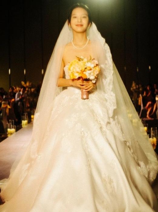 看完了《你的婚礼》,我终于学会了初恋风穿搭