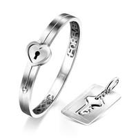 六福珠宝全新「心锁」纯银925吊坠及手镯情侣套装