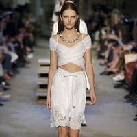 纪梵希Givenchy 带白色真丝色丁缎带的金属花朵项链