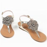 百丽 细带花朵钻饰夹脚坡跟凉鞋