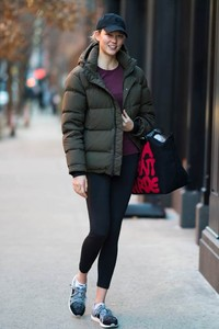 超模Karlie Kloss演绎 Longchamp 2018春季 Jeremy Scott × Longchamp  合作系列